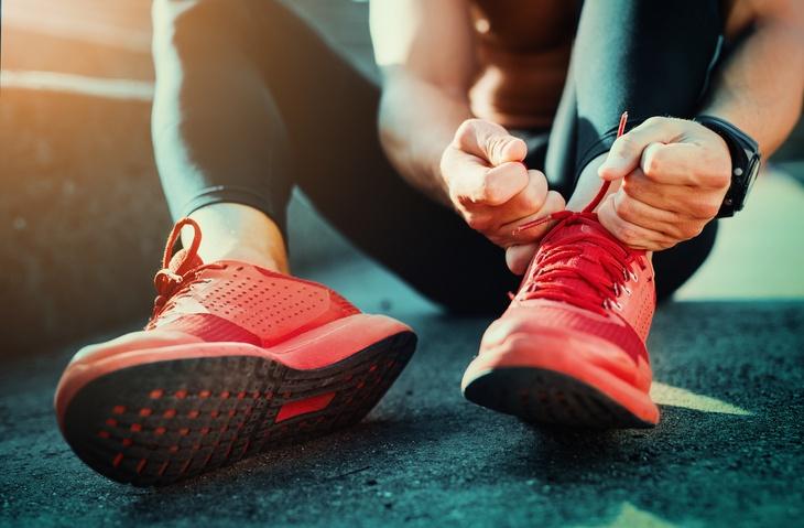 athlete tie shoes